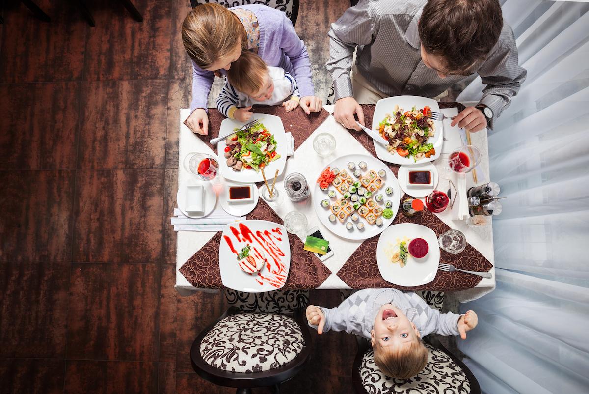mangiare-con-i-genotori-low